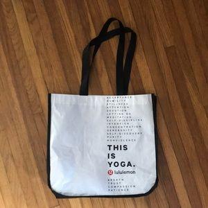 Lululemon 🌿 this is yoga shopper